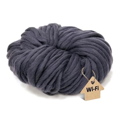 картинка  шапка крупной вязки спицами, купить толстую пряжу из мериноса для вязания зимней модной шапки, цвет: графит