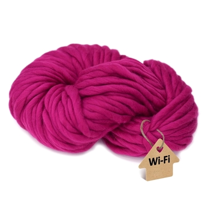 картинка толстая пряжа из мериноса для ручного вязания шапок, кардиганов крупной вязки, в наличии с доставкой цвет: фуксия