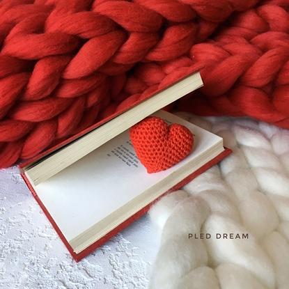 картинка плед в подарок на новый год, красный плед из шерсти мериноса, плед крупной вязки на заказ